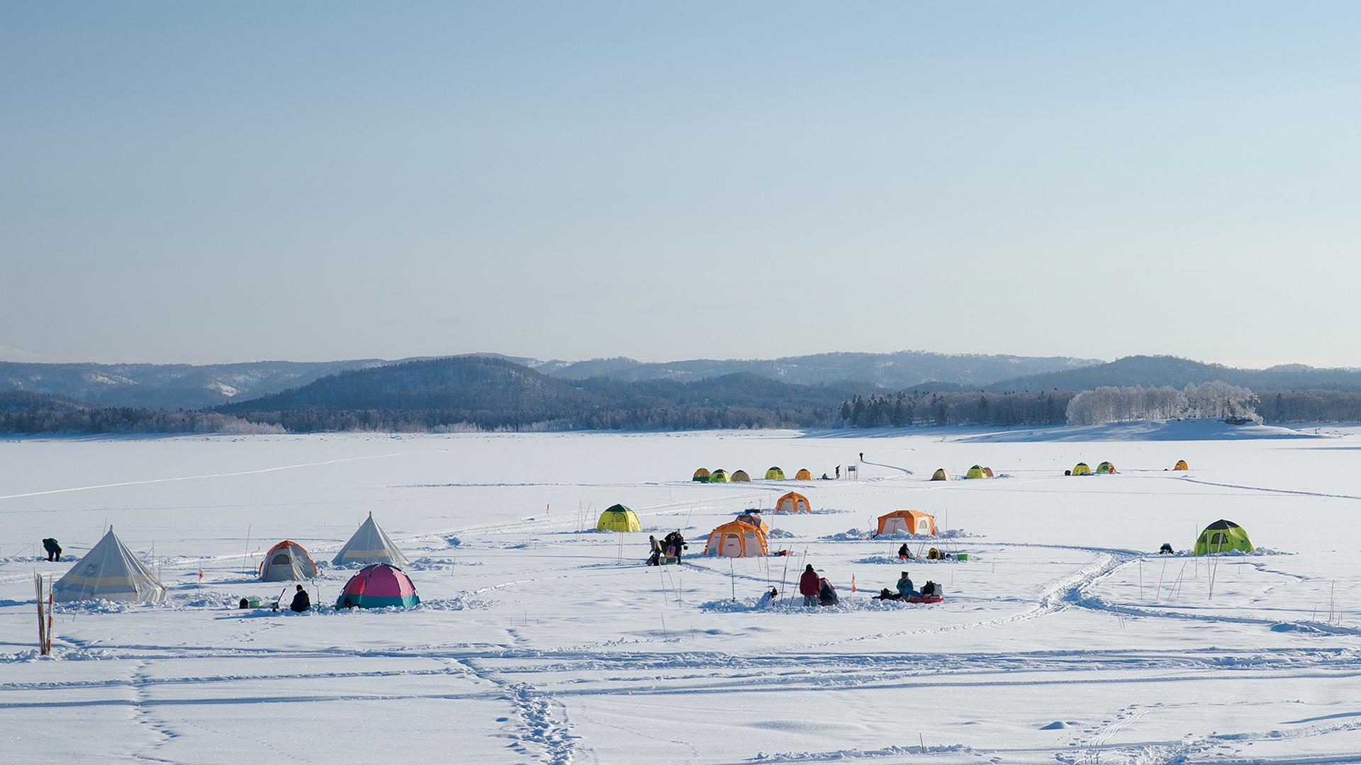 朱鞠内湖氷上ワカサギ釣り
